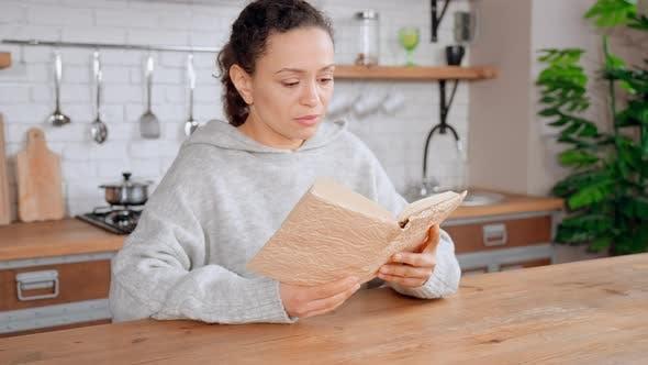 Brunette Reading Recipe