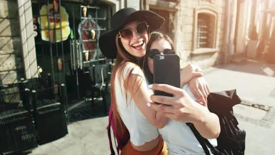 Thumbnail for Women Tourist Making Selfie