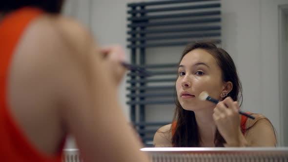 Makeup with Powder Blush