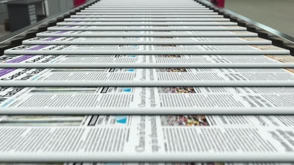 Zeitungspresse Druck auf der Fabrik und Produktionslinie jeden Tag Loopable