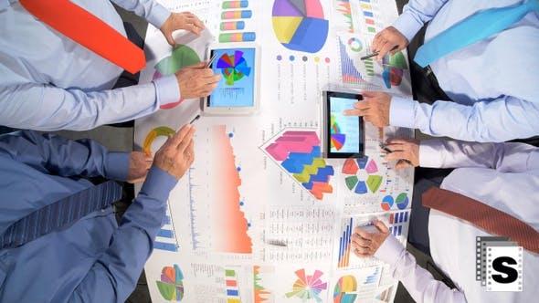 Thumbnail for Analysieren von Geschäftsdatenbesprechung