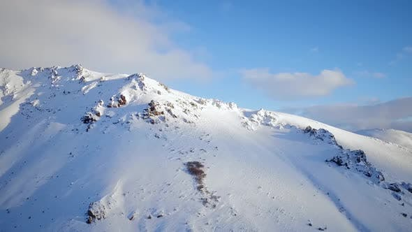 Cover Image for Mountains With Snow