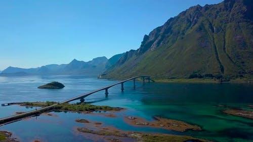 Brücke über das Meer