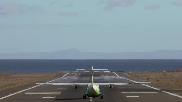 Cover Image for A Green Planes Tail