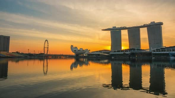 Cover Image for Morning in Marina Bay and Mist