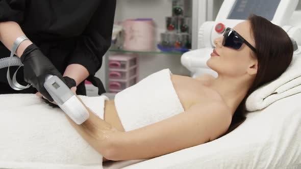 Thumbnail for Laser-Enthaarung auf weiblichen Armen