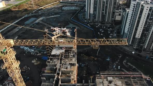 Thumbnail for Baukran auf Baustelle Luftaufnahme