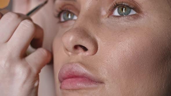 Thumbnail for Applying Eyebrow Powder