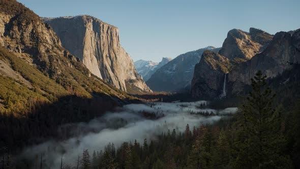 Thumbnail for Fog in Yosemite Valley