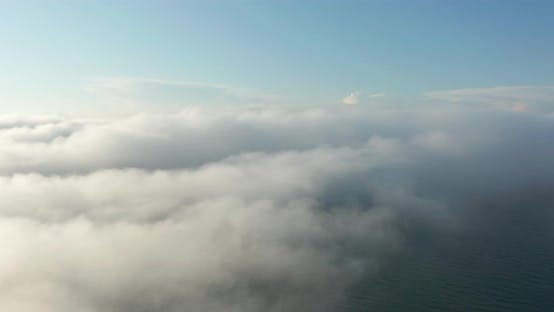 Flying Through Amazingly Beautiful Cloudscape