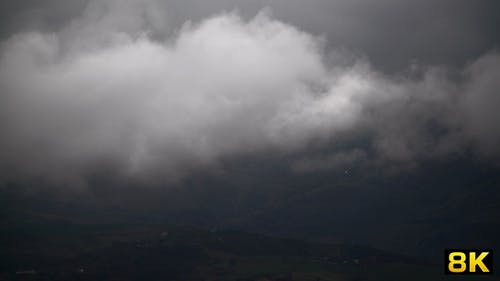 Condensation of Moist Air in the Cloud