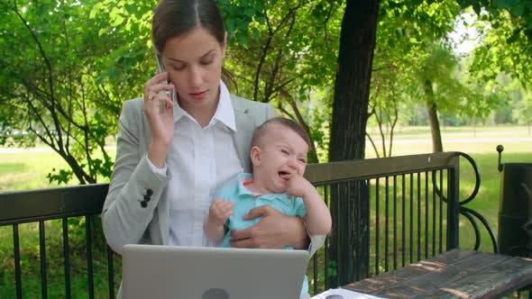 Cover Image for Balancing Business and Motherhood