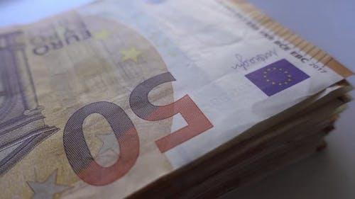 50 Euro-Banknoten rotierend