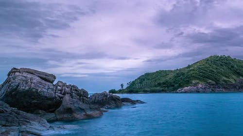 Soft and slow wave and Rocky Seascape in Phangan, Thaialand