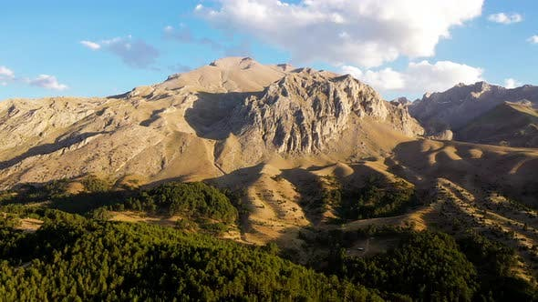 The Dedegöl mountain range.