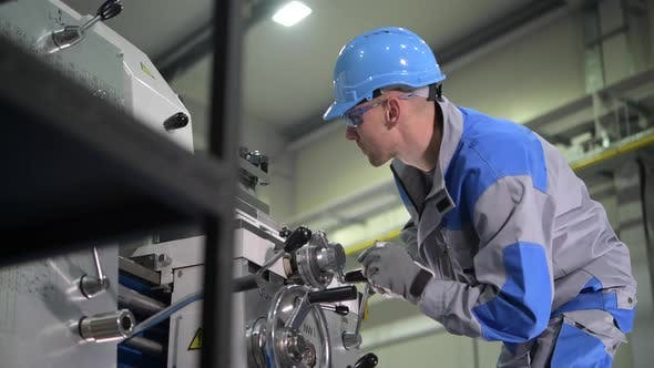 Thumbnail for Metal Processing Lathe Operator