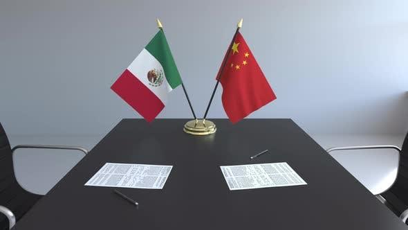 Thumbnail for Flaggen von Mexiko und China und Papiere