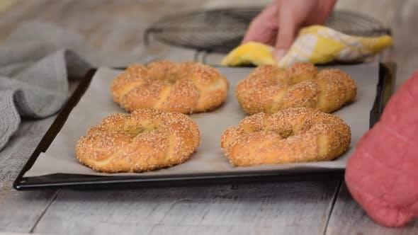 Frisch gebackene türkische Bagels Simit
