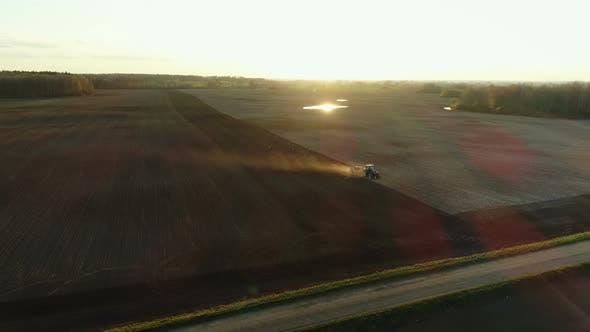 Traktor in Feldern
