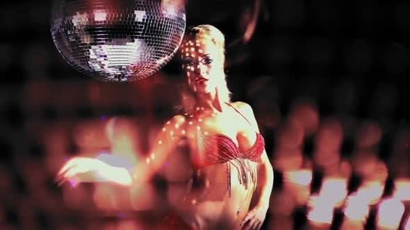 Thumbnail for glomour gogo tanzende musik retro discoball