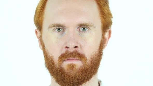 Thumbnail for Nahaufnahme von rotem Haar Bart Mann Gesicht