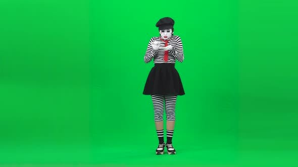 Mime Girl Is Crying Out Loudly