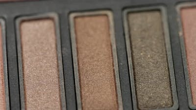 Eye shadows in brown