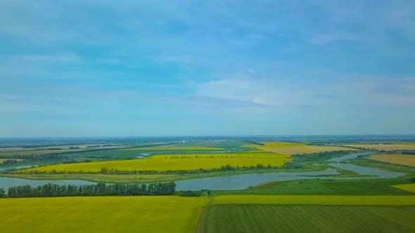 Survoler les champs agricoles