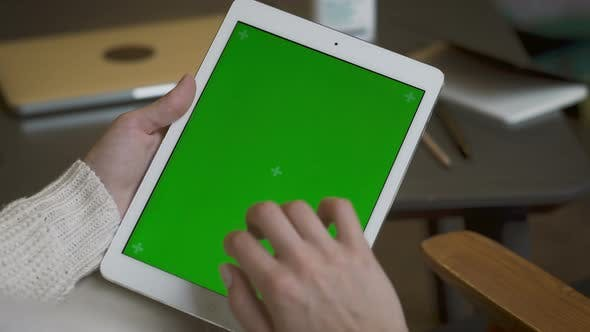 Thumbnail for Tablet With Green Screen For Mock Up
