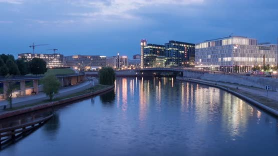 Timelapse of Spree River in Berlin