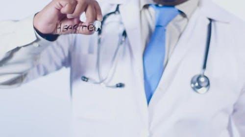 Indischer Doktor schreibt Herzbrennen