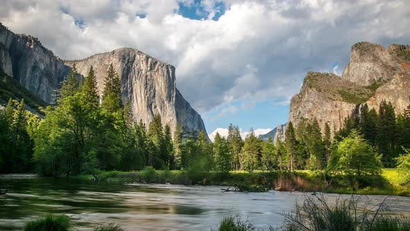 Thumbnail for Yosemite National Park Time Lapse