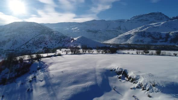 Cover Image for Snow Mountains