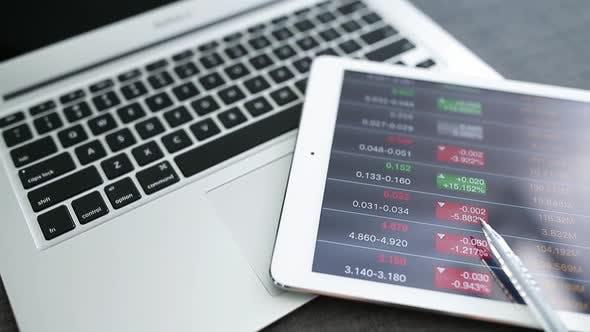 Tablet computer show stock market info