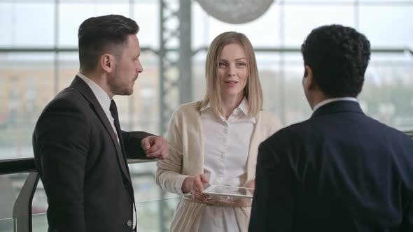 Cover Image for Successful Business Discussion