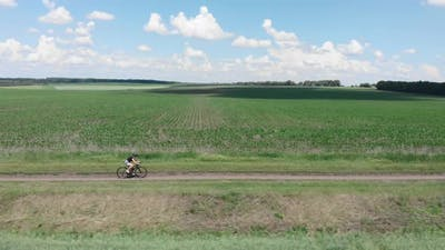 Cycling on gravel bicycle on dirt road