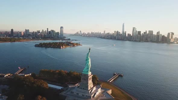 Thumbnail for Aerial View of Statue of Liberty And Manhattan