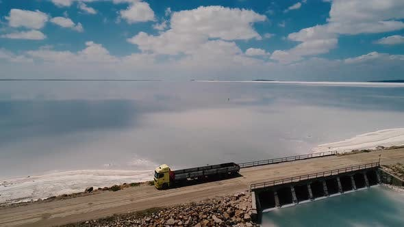 Cover Image for Truck Lake