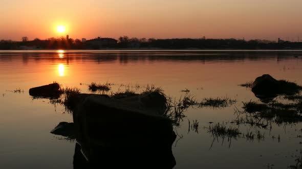 Thumbnail for Sonnenaufgang auf dem Wasser