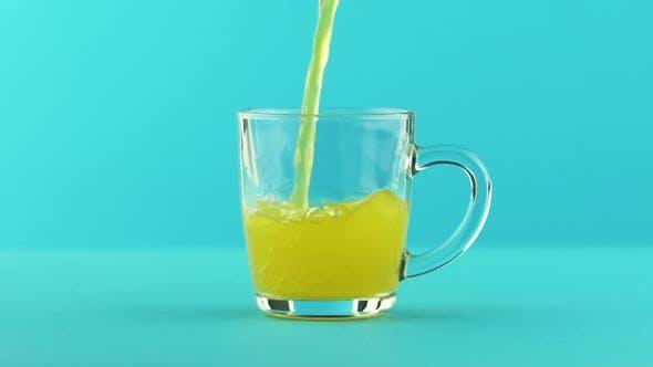 Thumbnail for Fruit Fizzy Orange Soda Kaltgetränk Pooring in Glas Becher mit abgerundetem Griff Blau