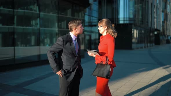 Cover Image for Businessman Rejecting Businesswoman Offer
