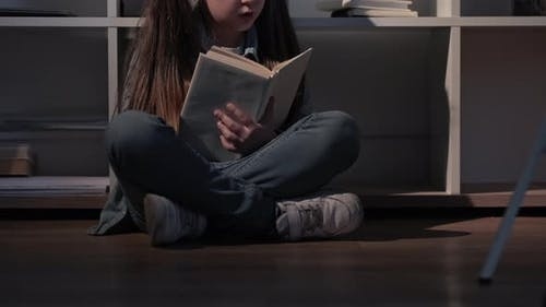 Kids Hobby Night Fairytale Reading Home Girl Book