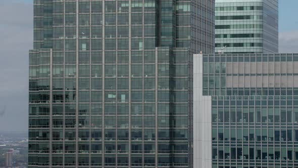 docklands canary wharf london finance city glass offices