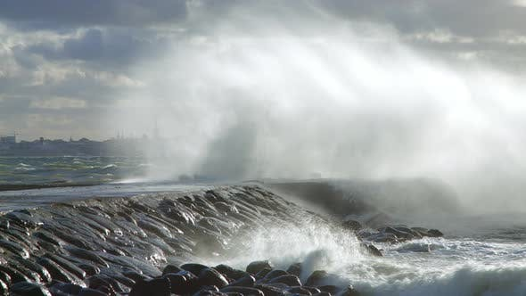 Thumbnail for Multiple Big Waves Hitting The Pier