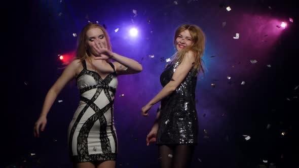 Blonde Girl Dancing Spinning Around Itself. Close-up