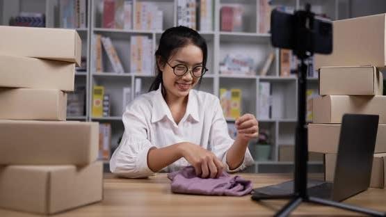 Beauty blogger selling shirt online.