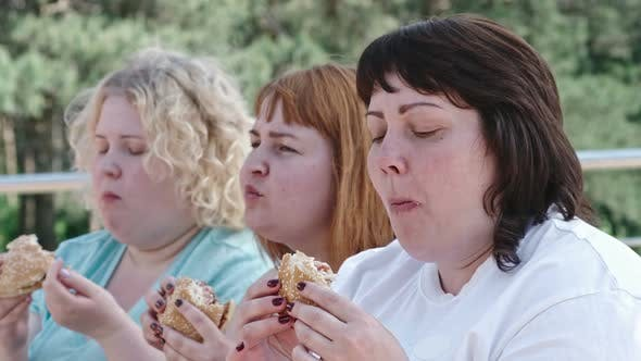 Thumbnail for Eating Tasty Burgers