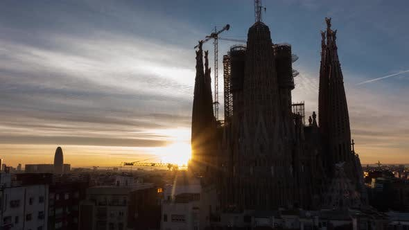 Cover Image for The Famous Temple of the Sagrada Familia Cathedral in Barcelona