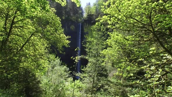 Thumbnail for Waterfall in Columbia River Gorge, Oregon