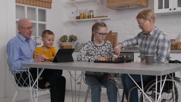 Joint Leisure of Grandparents and Grandchildren